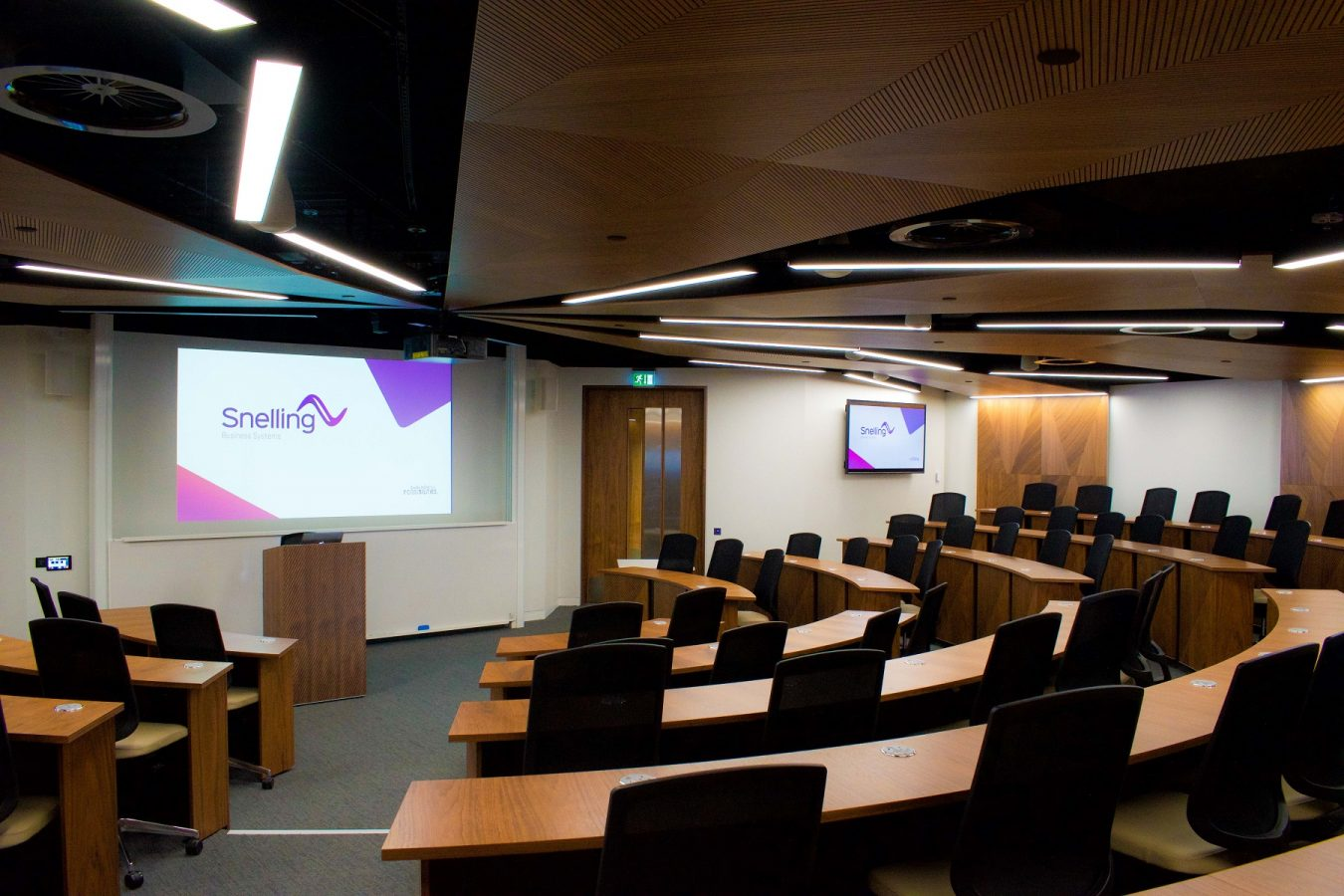 UCL Management School Case Study| Lecture Theatre | Snelling