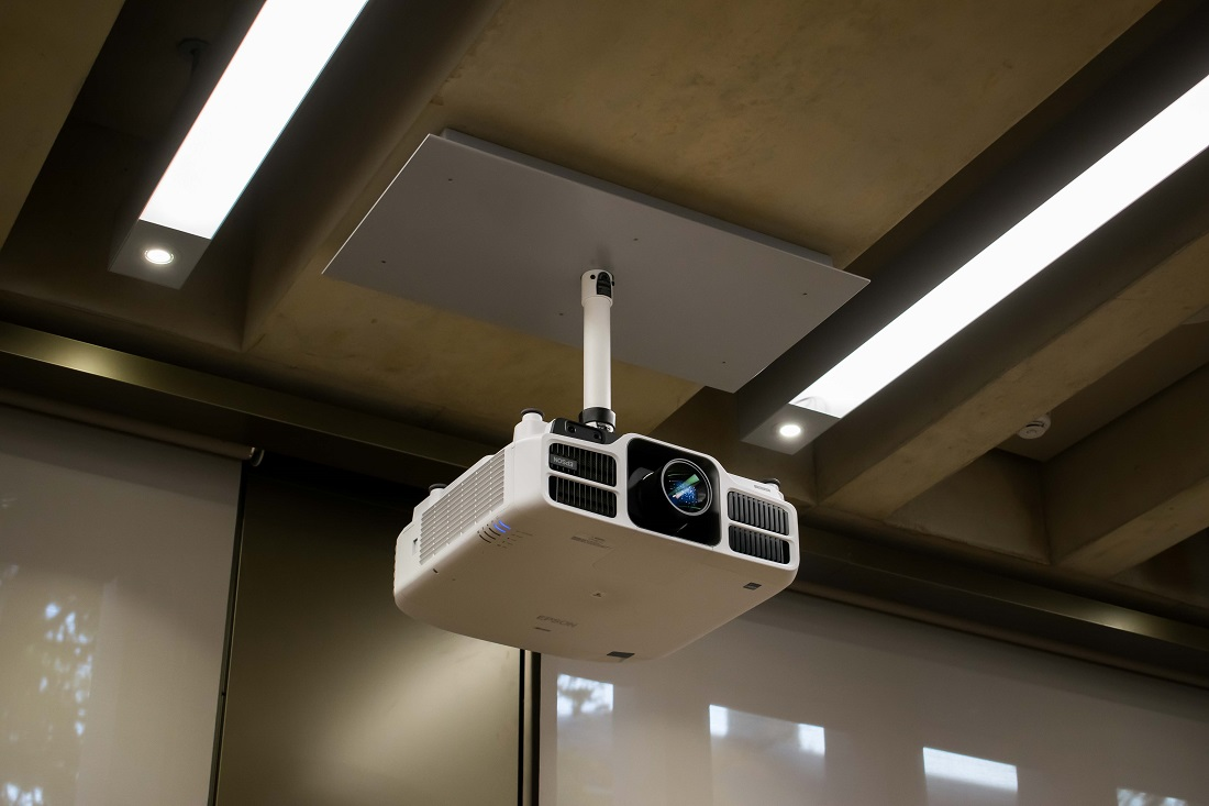 Lecture Theatre Projector | Judge Business School | Snelling AV Integration