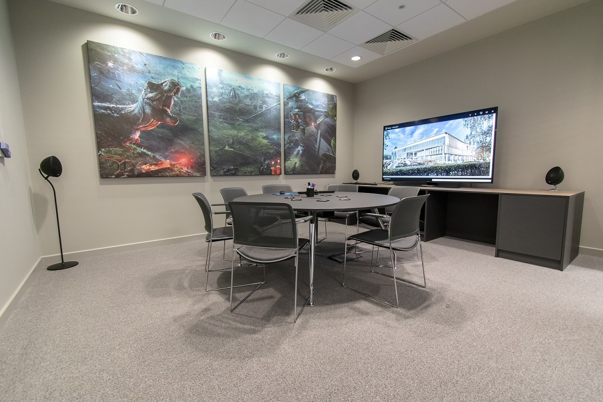 Game PROTOTYPE REVIEW ROOMS   Frontier Cambridge Office