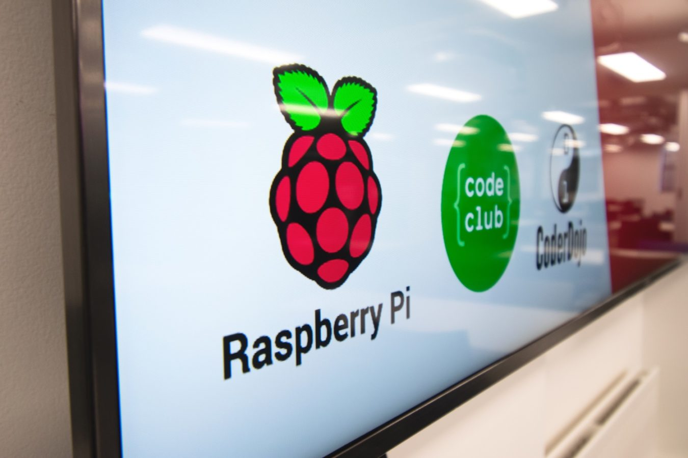Raspberry Pi Code Club HD Screens